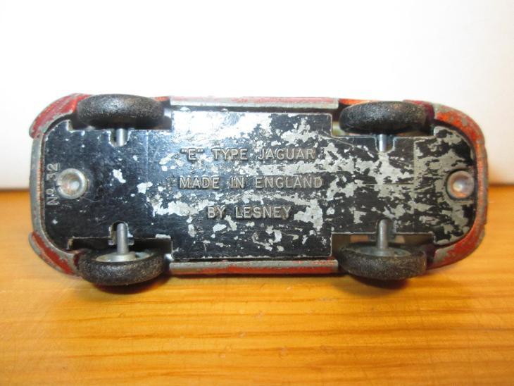 """Matchbox Lesney No 32 """"E"""" Type Jaguar ( C142 ) - Modelářství"""