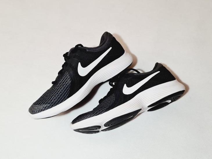 Dámská sportovní obuv - NIKE - vel. 38,5 - Dámské boty