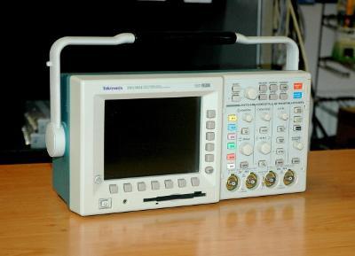 TEKTRONIX TDS3054, digital osciloskop, 4x 500MHz