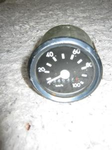 Tachometr 0-100 km