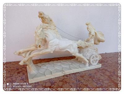 *** Masivní zdobená socha koňského spřežení s jezdcem ***