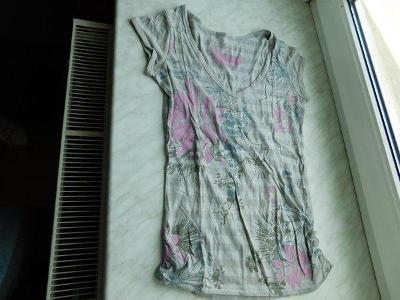 Krásné šedivé delší tričko Clockhouse, vel. 36
