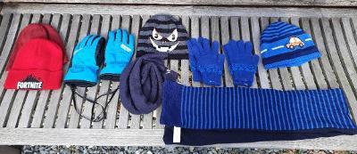 Zimní čepice, rukavice na donošení cca 8-10 let