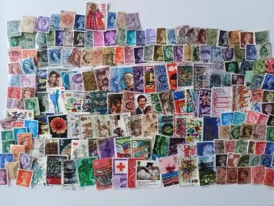 Každá jiná - poštovní známky Anglie 188ks