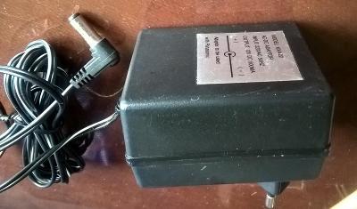 Síťový napáječ 12 V DC/ 0,5 A