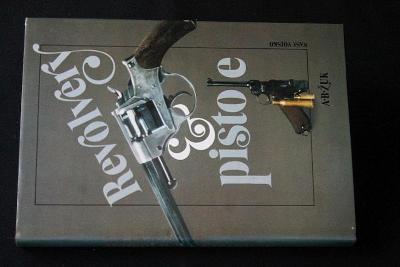 Revolvery a pistole -  Alexandr Borisovič Žuk (k32)