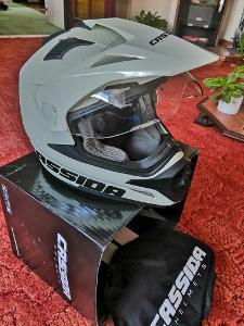 Helma na moto endurova, čtyřkolková