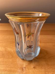 Biedermeier sklenice, čiré sklo, zdobená modrým listerem a malbou s hm