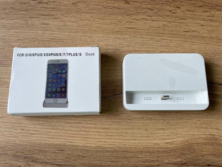 Nabíjecí dock pro iPhone - Nabíječky