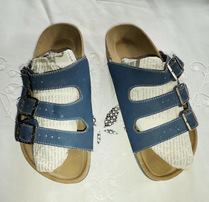 **Pantofle č.38** - Dámské boty
