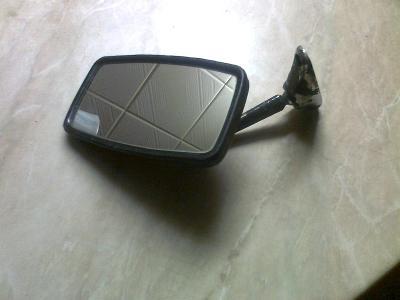 Zrcátko Fiat 126P
