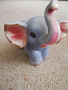 Slon porcelánový..... 8 cm
