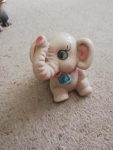 Slon porcelánový...... 7 cm