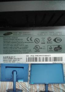 """22"""" LCD monitor Samsung SyncMaster S22B420BW funkční ale s pavoukem"""