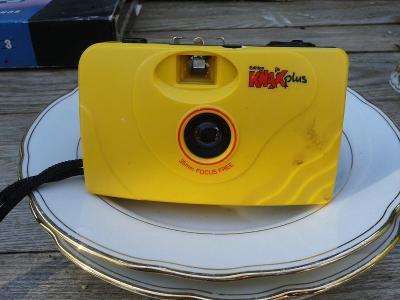 fotoaparát  na  kinofilm-   - viz foto