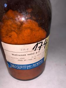 Wolframan sodný p.a. 99% (dihydrát, Na2WO4•2H2O, 250g)