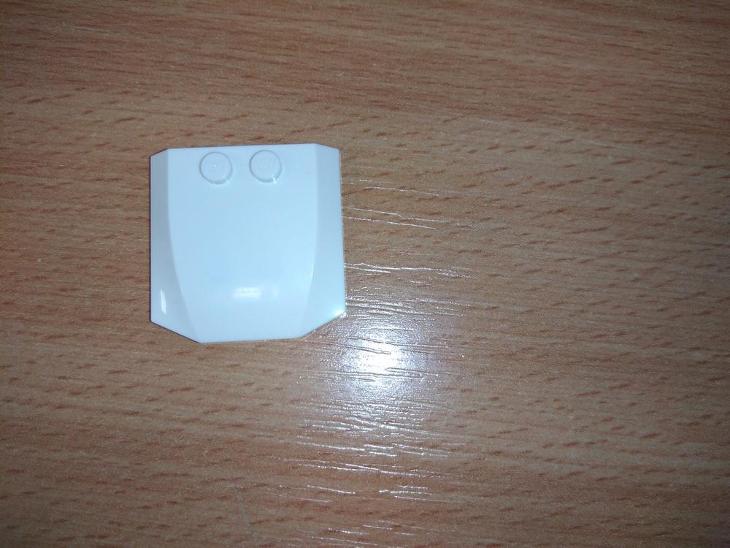 Lego díl 45677 - malá kapota bílá - Hračky