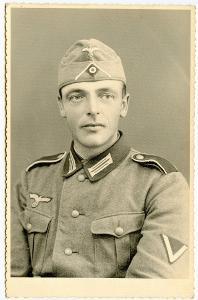 """Foto - """" Vojak Wehrmachtu """""""