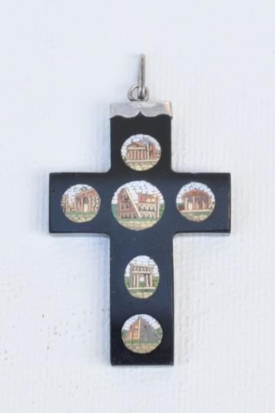Křížek s mozaikou
