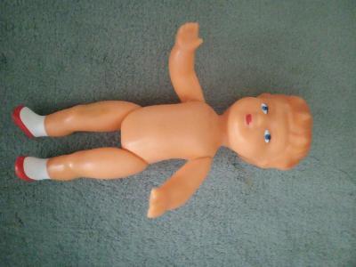 Gumová panenka
