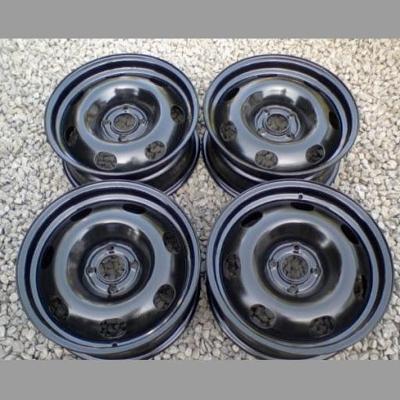 Sada zimních pneu 205/55/R16 na discích (4 šrouby)