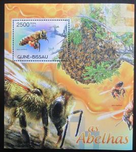 Guinea-Bissau 2012 Včely Mi# Block 1059 Kat 10€ 2053