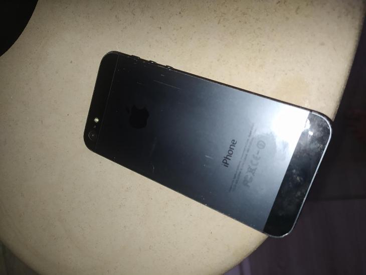 Iphone 5 - Mobilní telefony