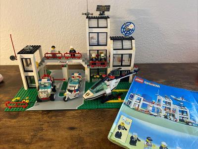 Lego 6398 City/System, Policejní stanice z 90 let
