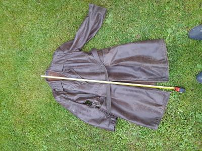 Starý kožený kabát na motorku