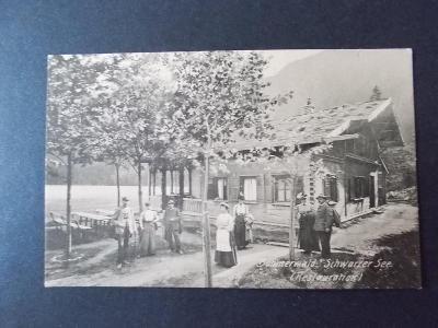 Šumavě  Černé jezero Železná Ruda restaurace turisté živá