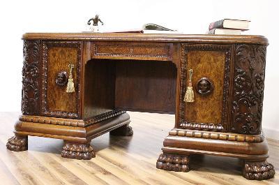 Starožitný řezbovaný psací stůl na lvích tlapách