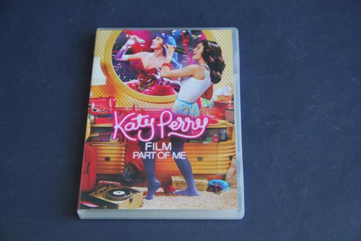 DVD Katy Perry   VÍC V POPISU - Film