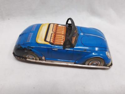 Modré plechové autíčko - sporták (375)
