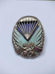 Vyhledávaný vojenský odznak Parašutista Paragán číslovaný