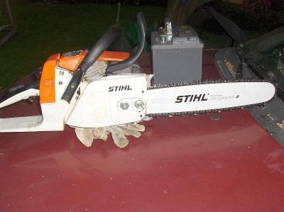Silná STIHL 024av PROFESIONAL benzinová pila o výkonu 2.9 kM STIHL  rS