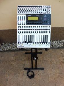 Digitální směšovací stůl Behringer DDX 3216/stojan