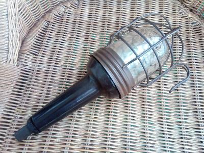 Stará bakelitová dílenská lampa, světlo. Typ 14501
