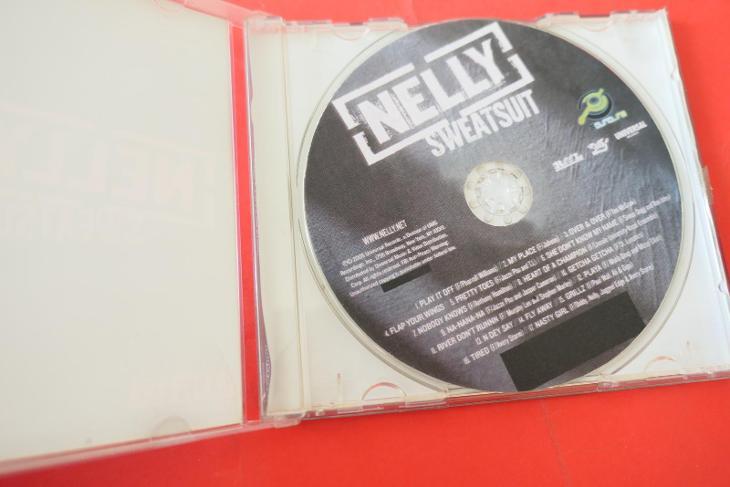 CD Nelly - Sweatsuit - Hudba