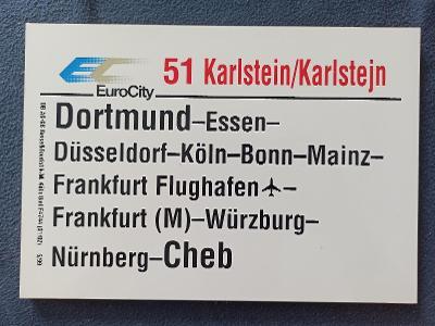 Směrová cedule DB - EC 51 KARLŠTEJN