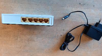 switch TP-Link SF1005D nespolehlivý