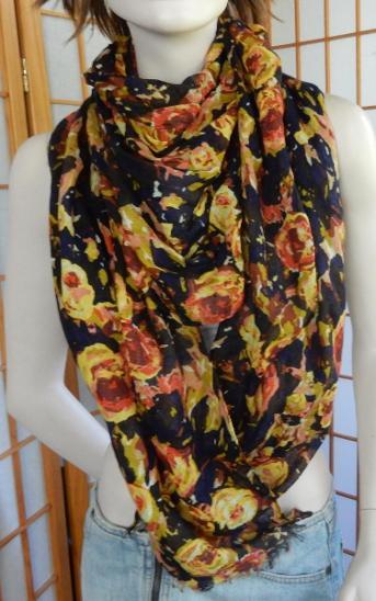 Šátek nový modro černý čajové růže 52x201 - Módní doplňky