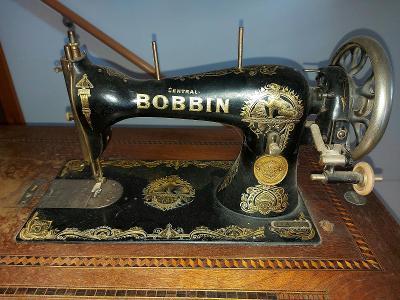 Starý šicí stroj BOBBIN (po drobné opravě funkční)