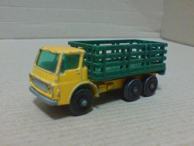 MB4-Stake Truck