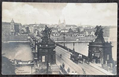 Praha 2 Podhradí most Palackého koňský povoz parník řeka lidé
