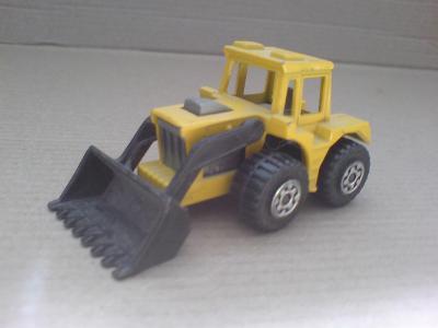 MB29-Tractor Shovel