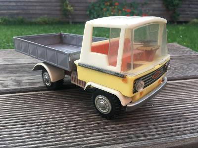 nákladní auto Zbyk - retro hračka