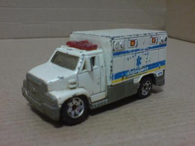 MB679-Ambulance