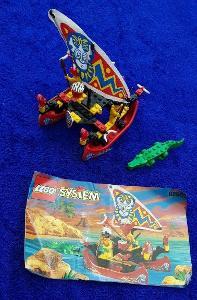 Lego 6256 Piráti, Náčelníkův katamarán z 90 let