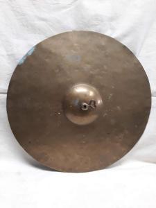 Mosazná činel (393)
