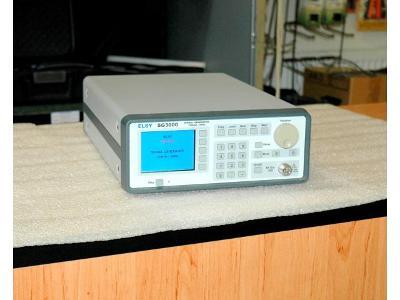 ELSY SG3000 vysokofrekvenční signální generátor